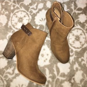 Abound brown tan buckle booties